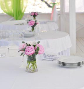 красивая сервировка стола в домашних условиях фото
