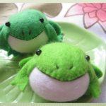 Шьем игрушки своими руками из войлока: лягушка, головастик и кит