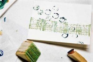 украшение открытки самодельными штампами