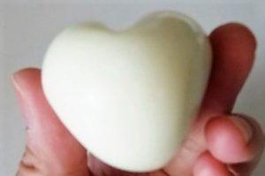 яйцо в виде сердца