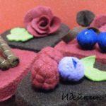 Пирожные из фетра — Шоколадные сердечки МК