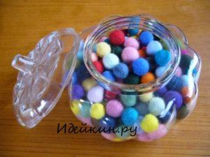 Как сделать брелок радужная гусеница из шерстяных шариков