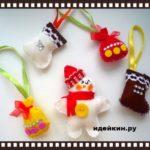 Елочные игрушки из фетра своими руками снеговик, мешочки для подарочков