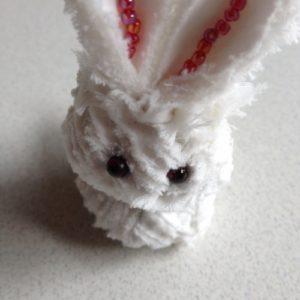 Мастер класс как сделать брелок Снежный кролик