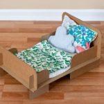 Как сделать кровать для кукол из картона