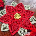 Необычная салфетка вязанная крючком схема «Рождественская звезда»