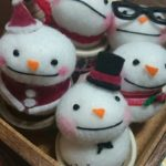 Счастливый снеговик из фетра