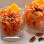 Салат из моркови и яблок сладкий